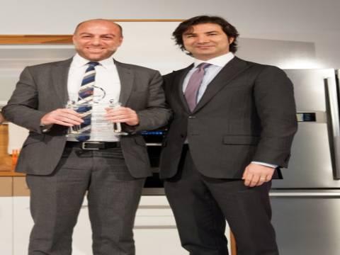 Bay İnşaat En Başarılı Emlak Yatırımı Ödülü'nü aldı!