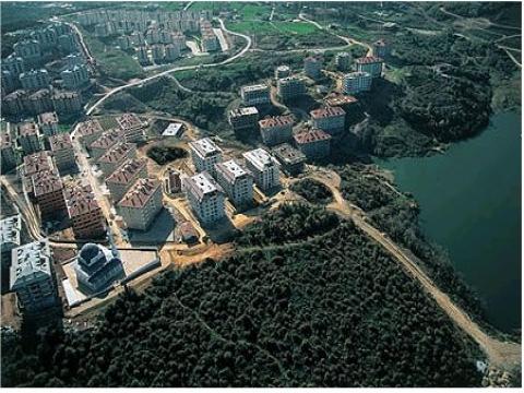 Zekeriyaköy'deki iyi satışlı konut projeleri çevresindeki arsaların fiyatını artırıyor!