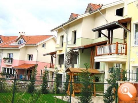 Zekeriyaköy'de konut kredisine uygun olmayan evlerin metrekaresi 900 dolar!