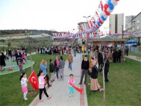 Ataşehir'de Şerife Bacı Parkı hizmete girdi!
