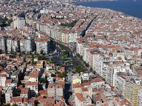 İzmir Karabağlar Yeşillik'de ticari hareketlilik gelişti!