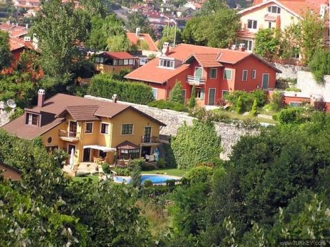 Zekeriyaköy'de villaların metrekare satış fiyatı 2 bin 600 dolardan başlıyor!