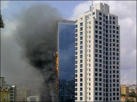 Polat Tower Residence'daki yangın, elektrik kontağından çıktı!