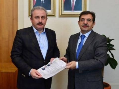 Bakan Güllüce milletvekili adaylık başvurusunu yaptı!