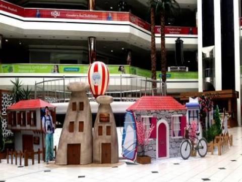 Cevahir Alışveriş ve Eğlence Merkezi ziyaretçilerine tatil havası yaşatıyor!