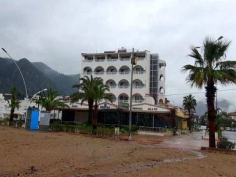 Katar Şeyhi Marmaris Kontes Beach Otel'ini aldı!