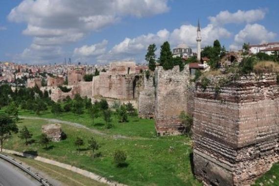 TOKİ Zeytinburnu'nda ofis ve banka inşa edecek!