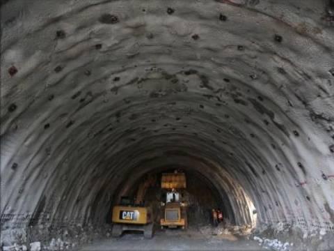 Ovit Dağı Tüneli'nin tek tüpünde ışık göründü!