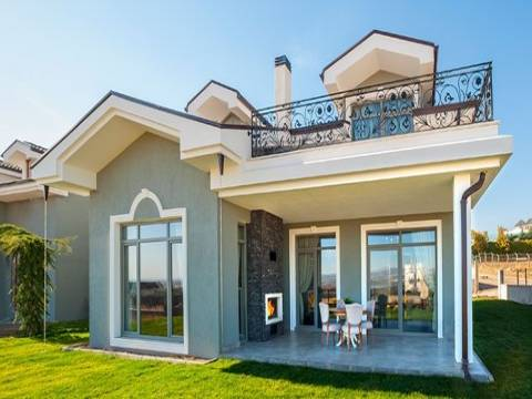 Kuğu Gölü Villaları'nda 1.390 milyon TL'ye!
