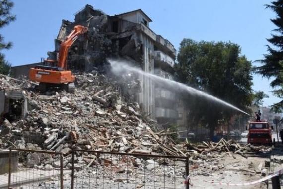 Düzce'de metruk binalar yıkılacak!