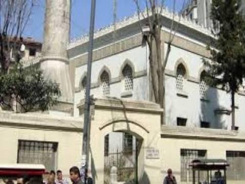 Beyoğlu Hüseyin Ağa Camisi törenle hizmete açıldı!