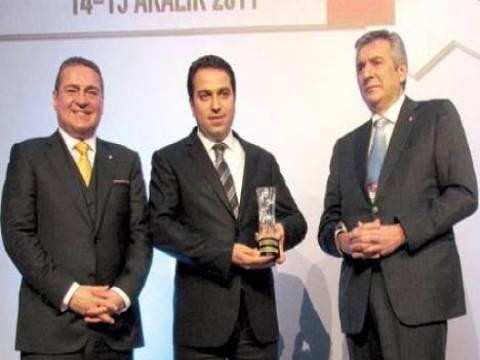 Royal Halı, İSO 'nın İlk 500' e Giren Sanayi Kuruluşu ödülüne layık görüldü!