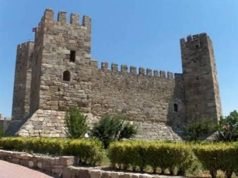 İzmir Çandarlı Kalesi'nin restorasyon çalışmaları tamamlandı!