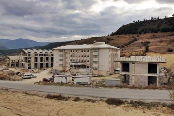 Karabük Üniversitesi'nde inşaat devam ediyor!