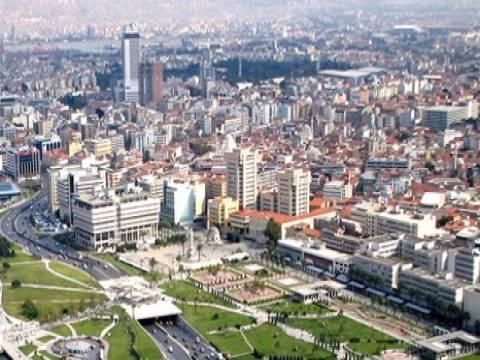 İzmir'deki konutların yarısından fazlası riskli!
