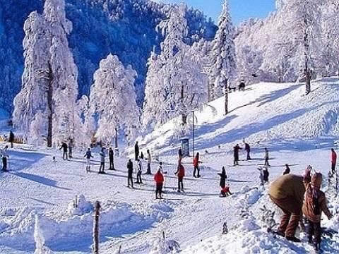 Turistler kayak merkezlerine akın etti!