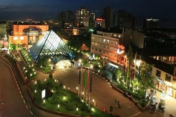 Bursa Zafer Plaza bugün satılıyor! 51.4 milyon liraya!