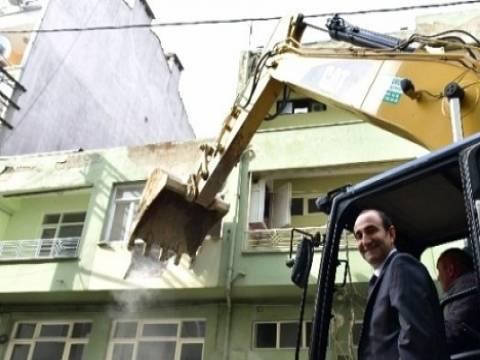 Yıldırım'da kentsel dönüşüm için ilk bina yıkımı gerçekleşti!