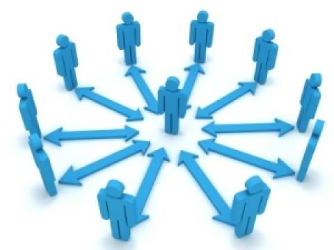 Site yönetimi en az kaç kişiden oluşur?