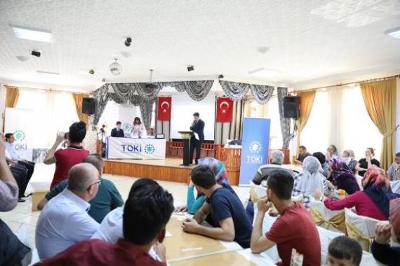 Ankara Nallıhan'da 173 konutun kurası çekildi!