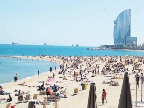 Barcelona'daki 6 plaj köpek balığı nedeniyle kapatıldı!