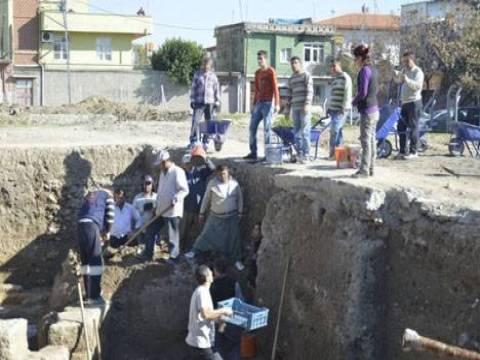 Adana Tepebağ'da başlatılan kazı çalışmaları devam ediyor!