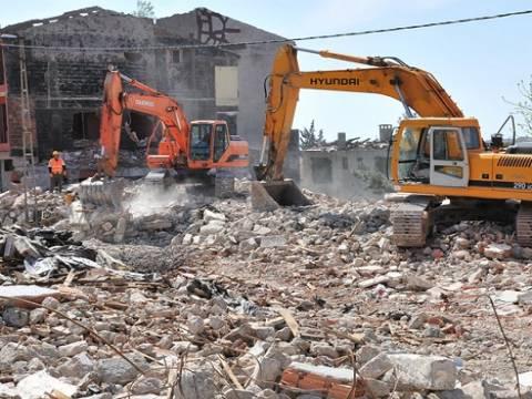 Bayrampaşa'da kentsel dönüşüm projesi için ilk kazma vuruldu!