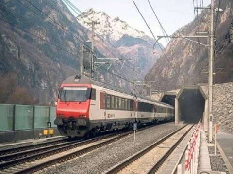 İsviçre'deki Gotthard Base Tüneli'nde tren seferleri başladı!