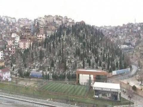 Gaziosmanpaşa'daki mezarlık afet riskli alan ilan edildi!