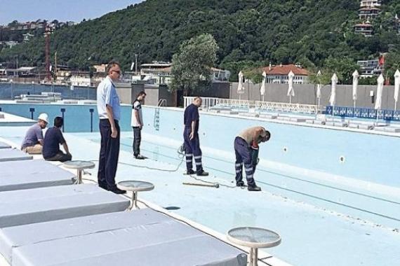Galatasaray Adası'ndaki havuzun kaplamaları söküldü!