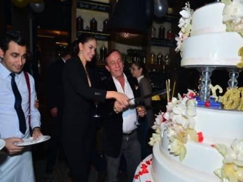 Ali Ağaoğlu'dan Sofia Larin'e sürpriz parti!