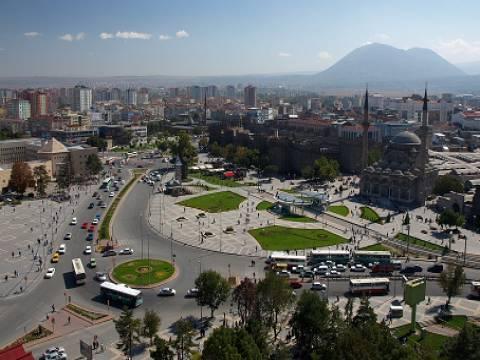 Kayseri'de belediyeden 9 milyon TL'ye 3 dükkan, otopark ve kaykay pisti!