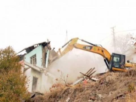 Kırıkkale Yenimahalle'de gece kondu yıkımları başladı!