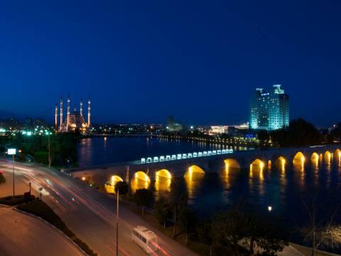 Adana'ya 40 milyonluk Kent Meydanı projesi!