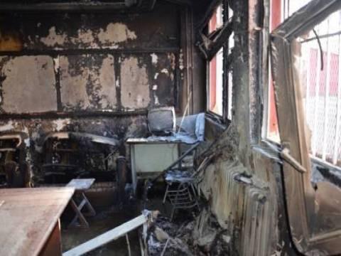 Hakkari Yüksekova'da 2 okul yakıldı!