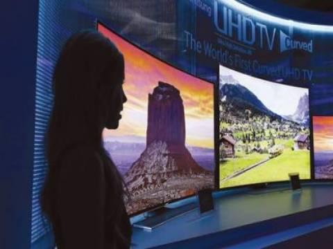 Samsung kavisli ekranlı akıllı TV'leri Nisan'da satışa sunacak!