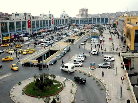 Tatilcilerin geri dönüşü İstanbul Esenler Otogarı kilitledi!