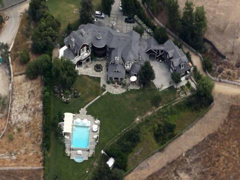 Jennifer Lopez Hidden Hills'teki malikanesini satışa çıkardı!