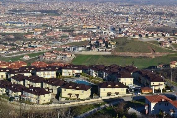 Serdivan'da icradan satılık 4 gayrimenkul! 8.7 milyon TL'ye!