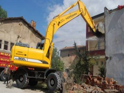 Afet riski taşıyan binalarda toplam 169 bin 247 kişi yaşıyor!