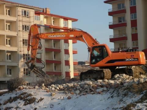 Osmangazi'de kaçak olduğu tespit edilen 3 bina yıkıldı!