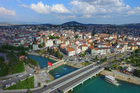 Beyşehir'de satılık 14 konut ve 1 işyeri! 5 milyon TL'ye!
