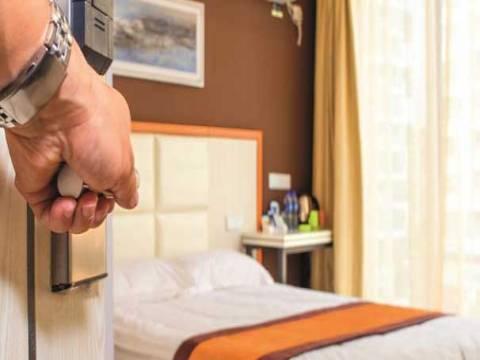 Beyoğlu'ndaki lüks otel odalarının aylığı kriz nedeniyle düştü!