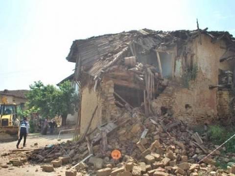 Bolu'da metruk binalar yıkılmaya devam edilecek!