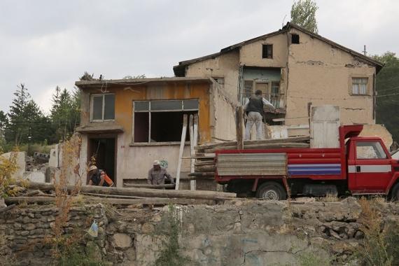 Sivas Kalesi'nde yıkım çalışmaları başladı!