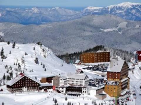 Kartalkaya'da sıcakların artması nedeniyle kayak sezonu kapandı!