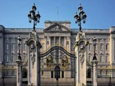 İngiltere Buckingham Sarayı yenileniyor!