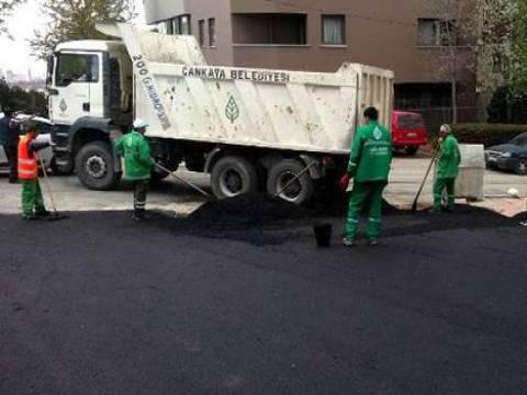 Çankaya'da asfaltlama çalışmaları sürüyor!
