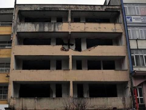 Çanakkale'de hasarlı 10 bina tahliye edildi!