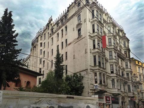 Beyoğlu Tarihi Rumeli Han icradan satılıyor!